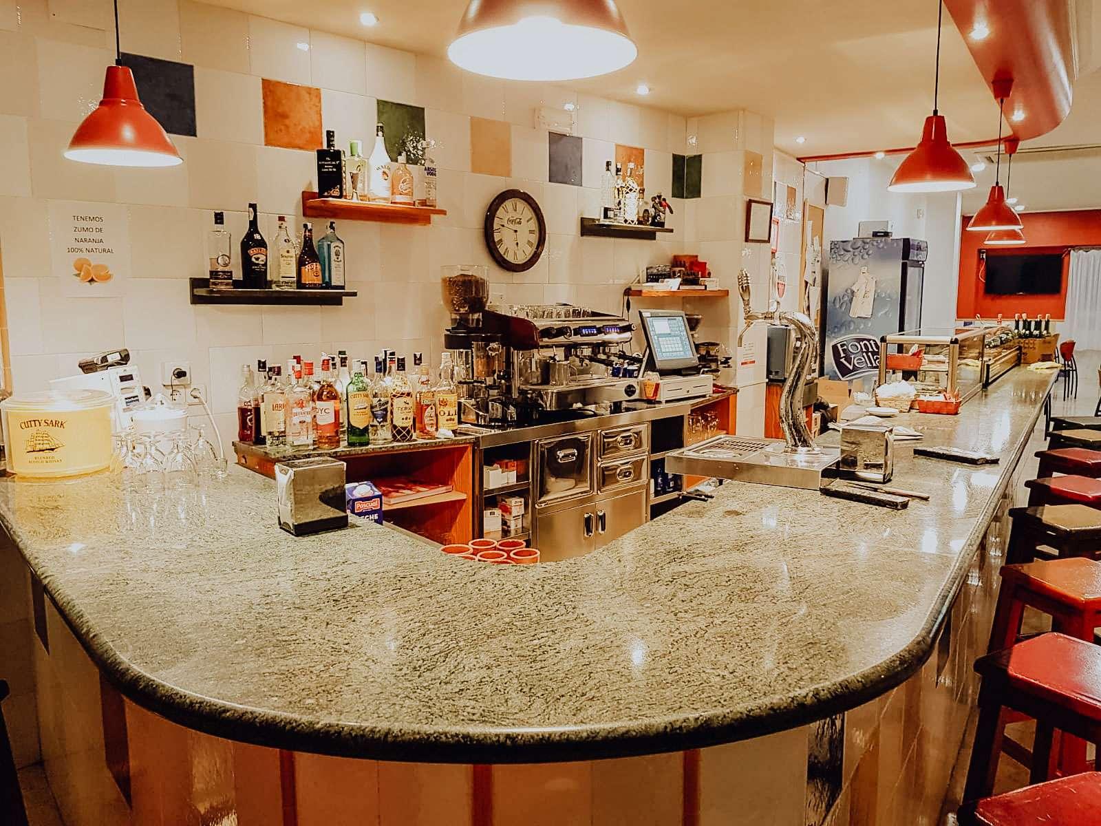 Bocatería bar El Tubo